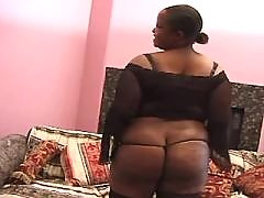 Gorgeous ebony fatty with big round butt