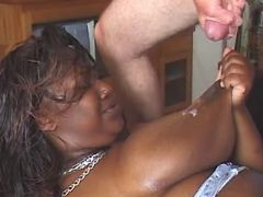 Fat black slut gets cum on table black chubby movies
